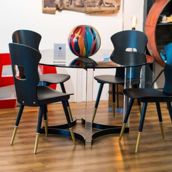 Ensemble chaises et table 'Simple chic'