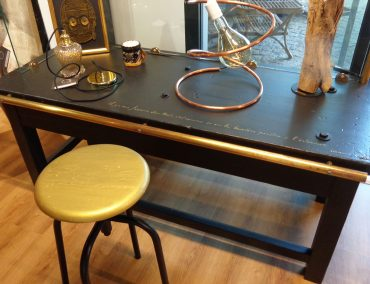 Meuble et tabouret 'Simple chic'